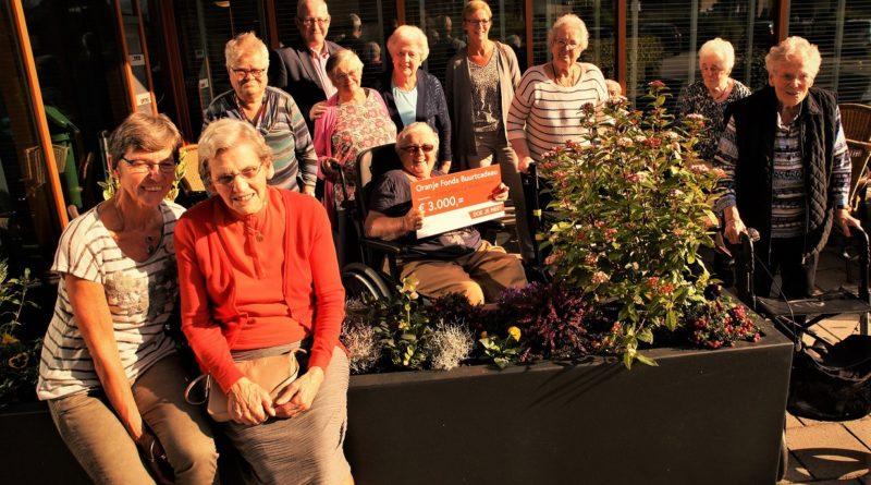 Buurtcadeau Oranje Fonds uitgereikt in Overdorp
